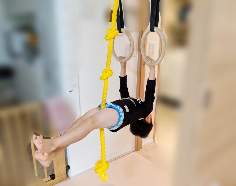 吊り輪とロープでこんな遊びもできます