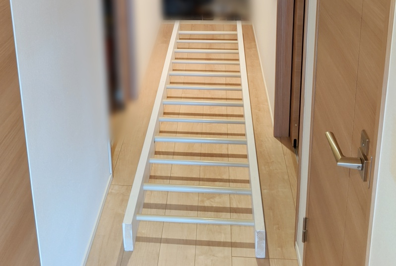梯子を先に組み立ててしまう